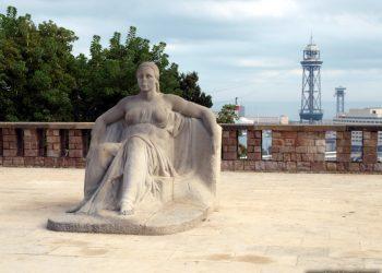 Escultura en mármol Serenitat
