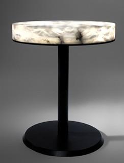Mesa que se ilumina en alabastro.