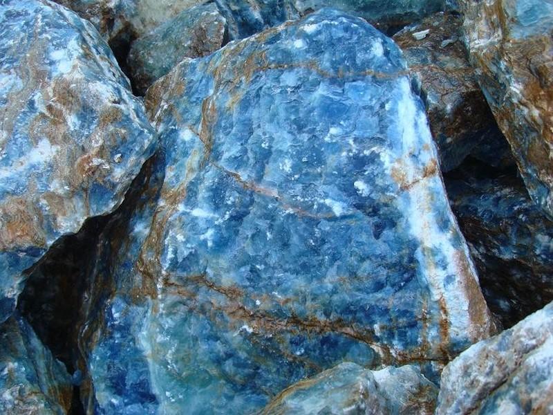 Onyx blue de eduard moragues focus piedra noticias for Marmol traslucido