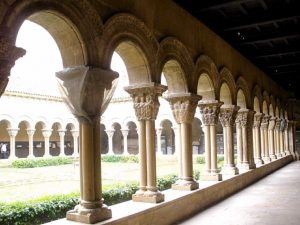 Tudela_-_Catedral,_claustro_11