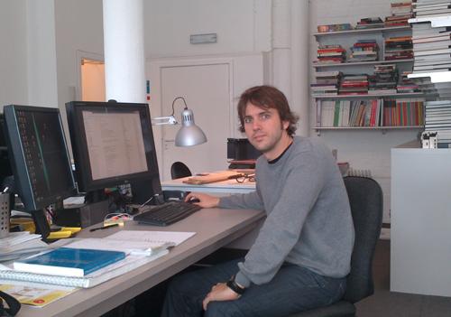 Iván, en el estudio Sutherland Hussey Architects.