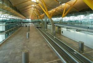 GREY VENEZIA T4 MADRID-BARAJAS AIRPORT (8)