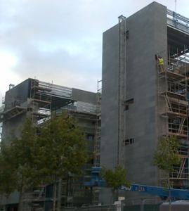 Pizarra en la fachada ventilada de la nueva sede de la - Marmoles en valladolid ...