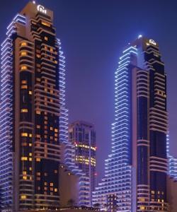 The Grosvenor House Dubai Marina Beach, uno de los proyector en los que Levantina ha participado.