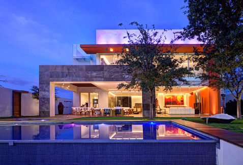Vivienda en travertino r stico de lassala elenes arquitectos Estilo contemporaneo arquitectura