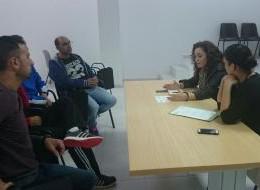 Encuentro de IU con trabajadores afectados por silicosis en Chiclana
