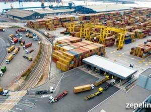 Terminal-de-contenedores-en-el-puerto-de-Valencia