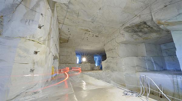 La radiolog a llega al sector de la piedra natural for Color del marmol de carrara