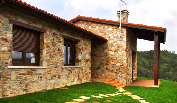 Reformar casas antiguas antigua cocina en casa de pueblo for Cuanto cuesta reformar una casa