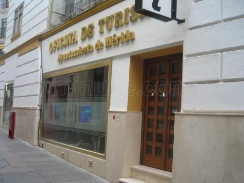 Aplacado de granito para la nueva oficina de turismo de m rida for Oficina de turismo de merida
