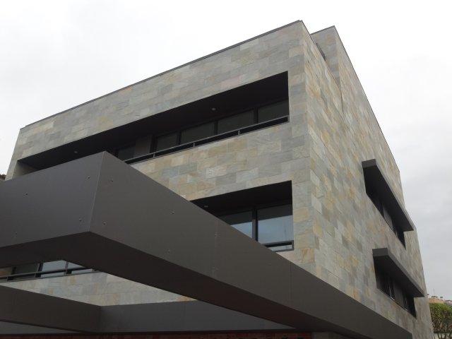 fachada cuarcita Llodio