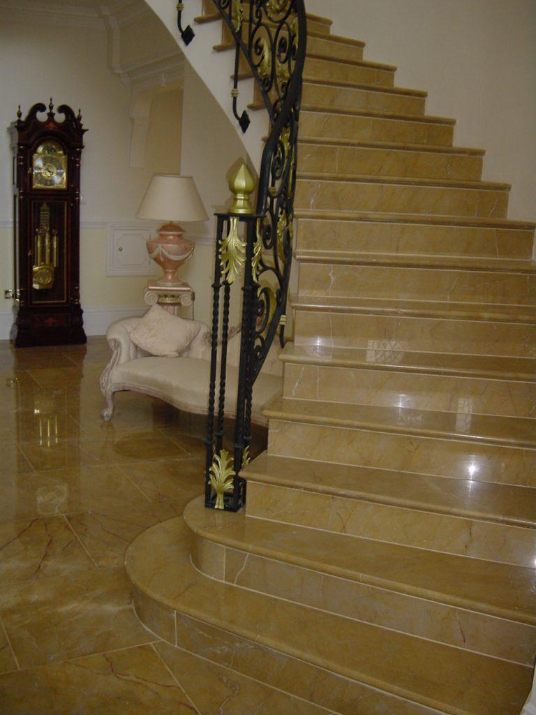 escaleras spanish gold