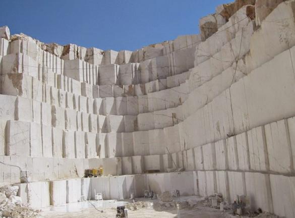 cantera marmol carrara