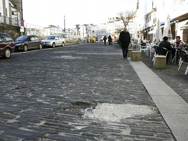 pavimento pizarra dañado