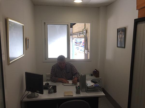 Isidoro Ruiz en despacho