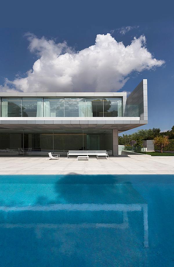 casa-aluminio-fran-silvestre-arquitectos-2