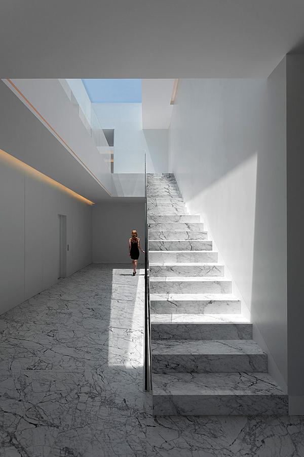 casa-aluminio-fran-silvestre-arquitectos-4