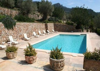 piscina piedra baleares
