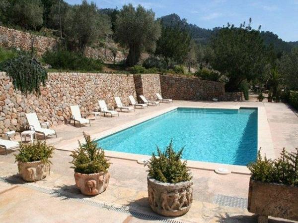 Baleares duplica la solicitud de presupuestos para - Piedras para piscinas ...