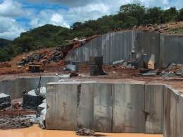 angola-cantera-granito