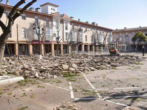 plaza ayuntamiento tomares