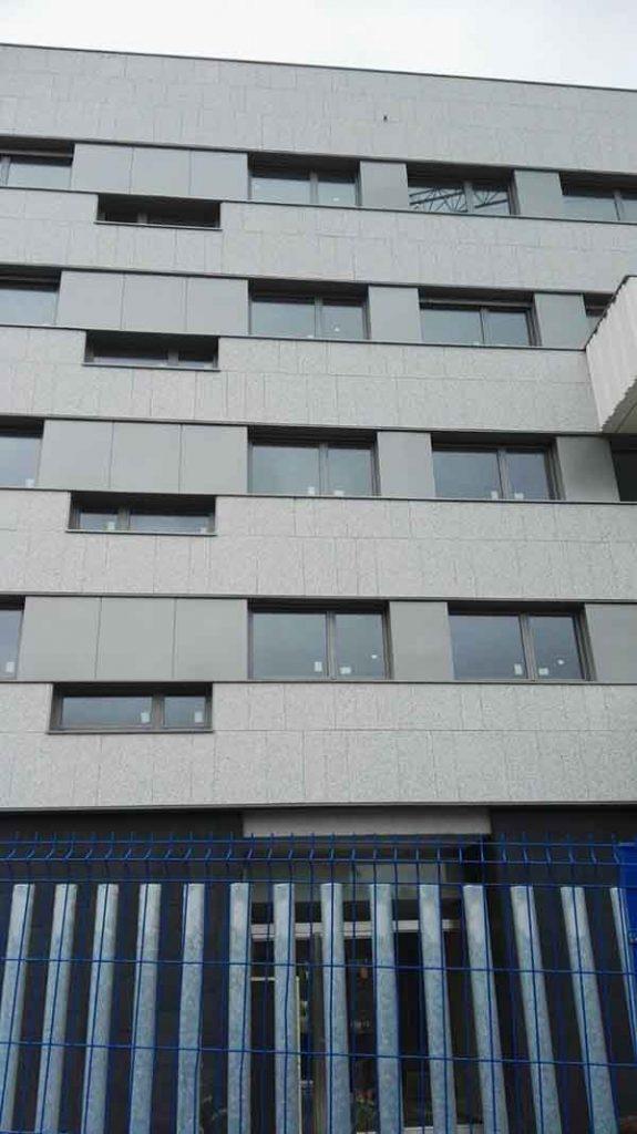 fachada granito gris zamar 4