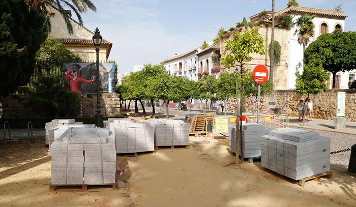 Vecinos de Córdoba recogen firmas en contra de las obras con granito 132677e82c0c