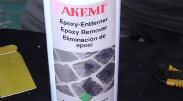 akemi quita resinas