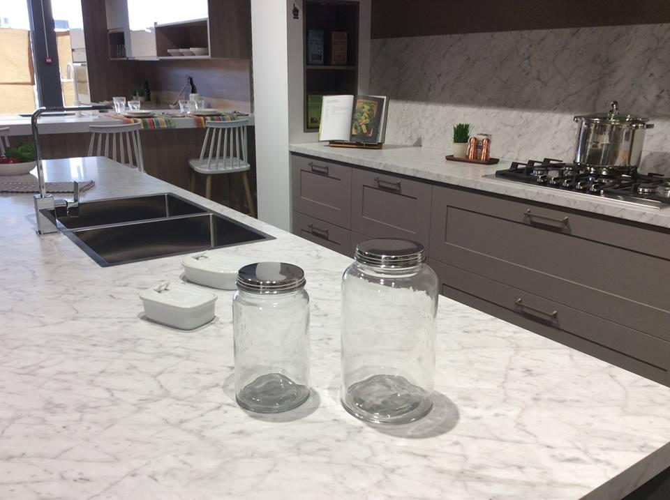 Alvic center granada inaugura una nueva tienda de cocinas - Cocinas economicas granada ...