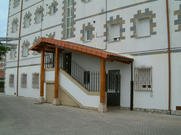 casa de los maestros-colindres
