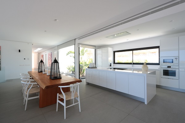 iconic white kitchen - strato floor 2 (lr)