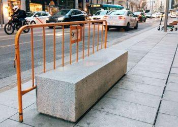 bancos-granito-instalados-Gran-Via