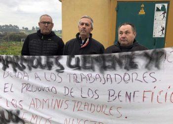 extrabajadores-ayer-protesta-puertas-marmoleria