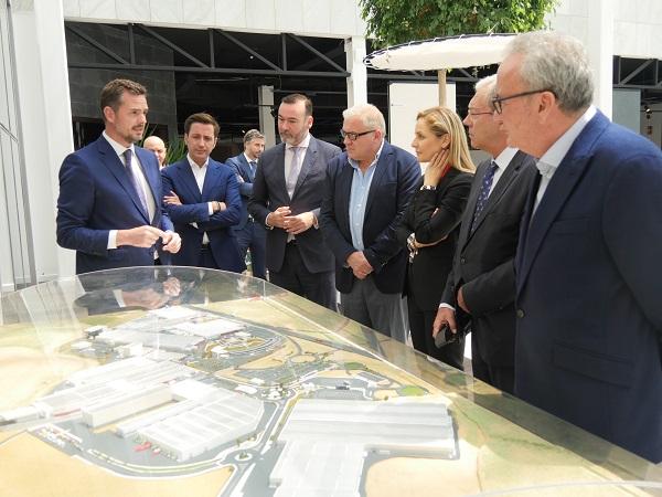 Rogelio Velasco visita la sede de Grupo Cosentino 3