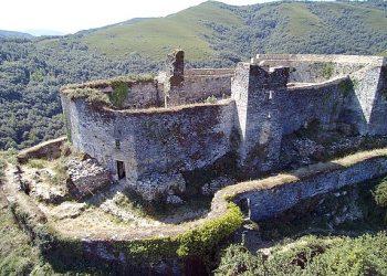 Castillo de Sarracín, Vega de Valcarce, León, España