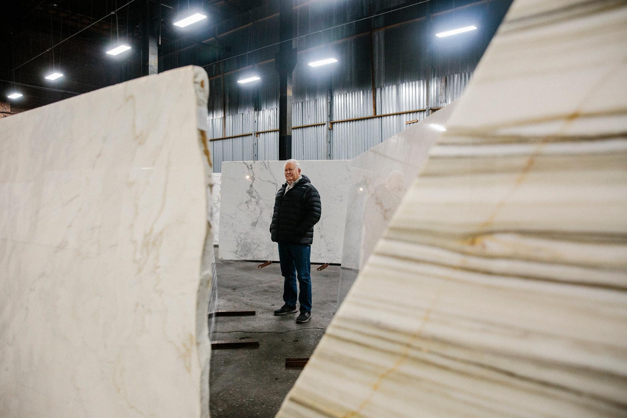 Kevin Gavaghan, gerente de ventas de PMI International Stone Importers