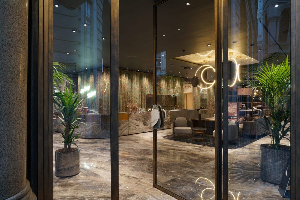 Iris Ceramica Group_Showroom Milano_02