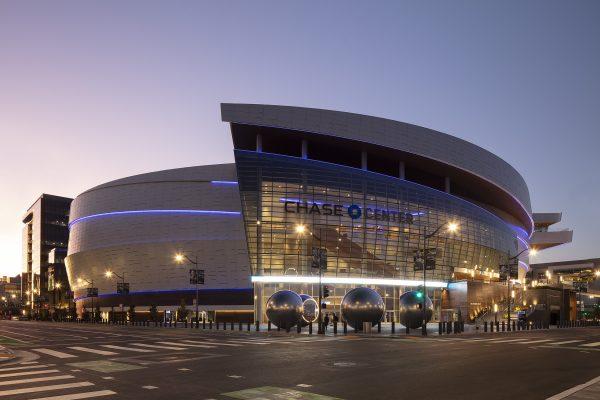 Los Golden State Warriors estrenan estadio con fachada de Neolith®