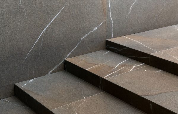 Laminam-IN-SIDE-Pietra-Piasentina Taupe-Total-Look