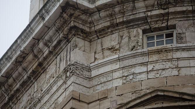 Parte-fachada-Catedral-Cadiz_