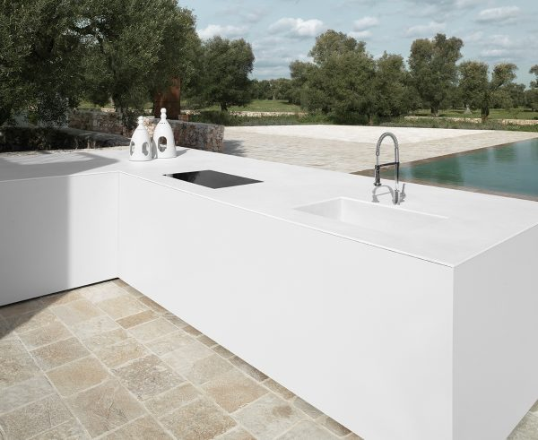 9-Outdoor Kitchen-calce-bianco - edited
